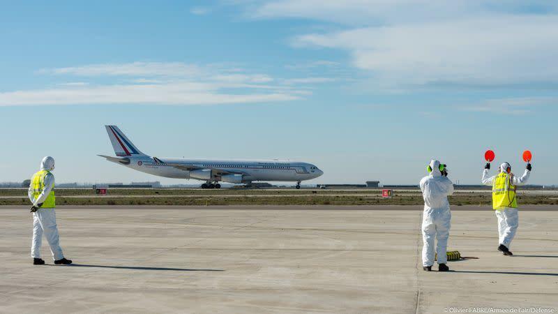 Kotak fakta: Maskapai menunda penerbangan China karena virus coronanavirus