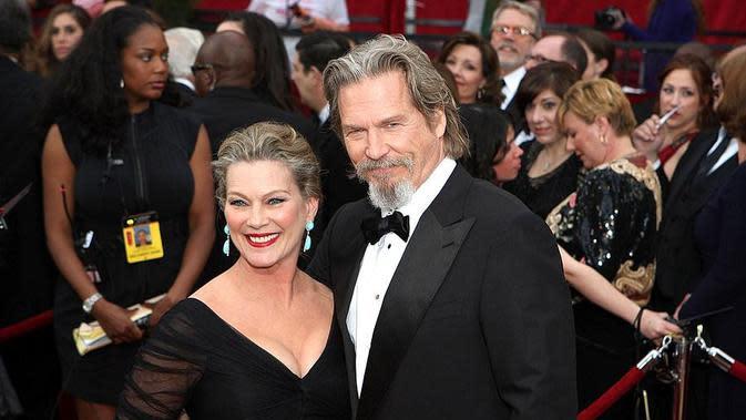Jeff Bridges dan istrinya, Susan Geston. (Fine Art America)