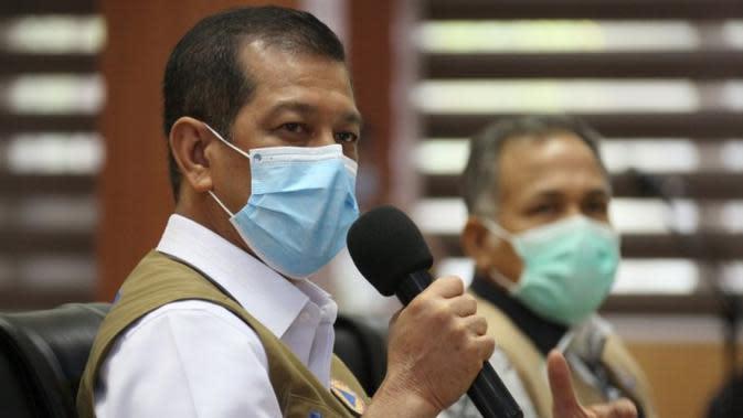 Ketua Satuan Tugas Penanganan COVID-19 Doni Monardo menerangkan kehadiran vaksin yang tengah diupayakan kini bukan berarti langsung mampu menghentikan penularan COVID-19 saat rapat koordinasi di Aceh, Sabtu (26/9/2020). (Badan Nasional Penanggulangan Bencana/BNPB)