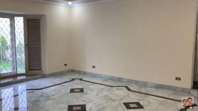 Baim Wong menunjukkan rumah barunya di kawasan Pondok Indah (YouTube)