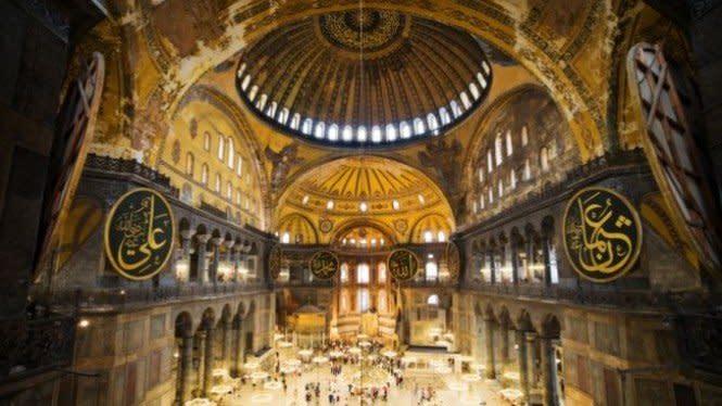 Mosaik dan Ornamen Kristiani di Hagia Sophia Ditutup saat Salat Jumat
