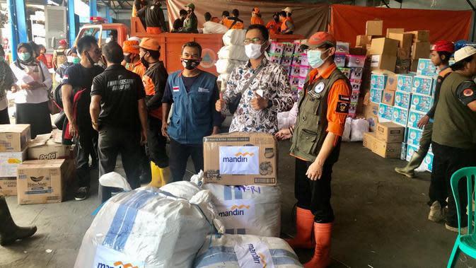 Kurangi Beban, Bank Mandiri Salurkan Bantuan ke Korban Banjir Bandang di Sukabumi