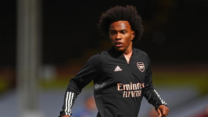 Willian bersinar pada debut bersama Arsenal Alexandre Lacazette. (AFP/Paul Childs)