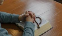 【Yahoo論壇/呂建和】一趟旅程,神父的美麗靈魂在她內心飛舞著!