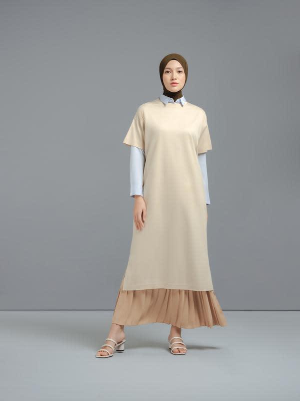 Ingin tampil dengan gaya hijab minimalis, sudahkah kamu memiliki empat item ini?/ Dok. UNIQLO