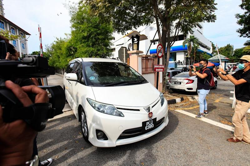 A vehicle ferrying Betty Chew, wife of former finance minister Lim Guan Eng, is pictured leaving the MACC Penang branch in George Town August 7, 2020. — Picture by Sayuti Zainudin