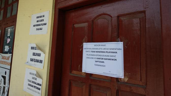 Kantor Kelurahan Jetis ditutup akibat Covid-19. (Foto: Liputan6.com/Hendro Ary Wibowo)
