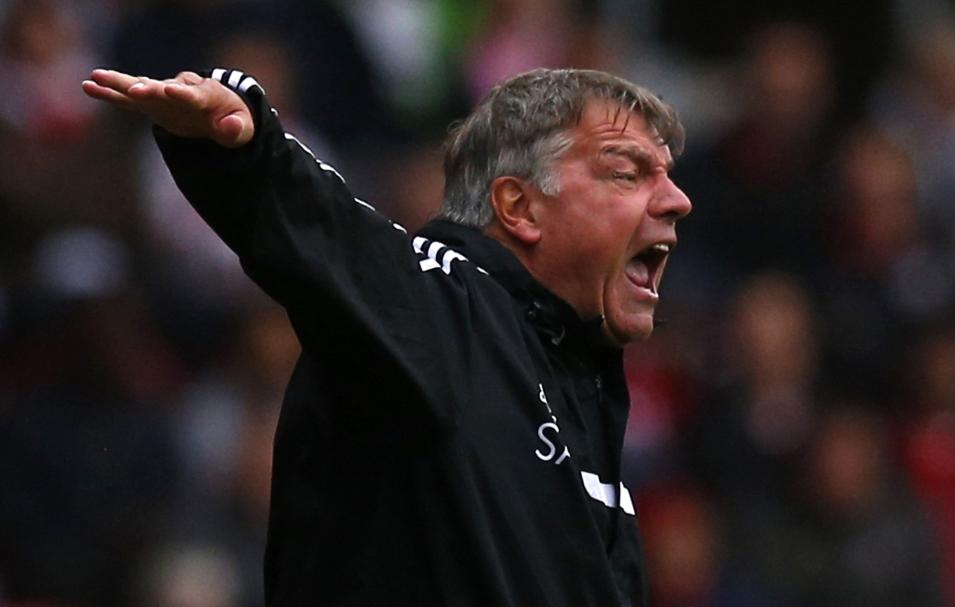 West Ham manager Allardyce gestures during their English Premier League soccer match against Southampton at St Mary's stadium in Southampton, southern England