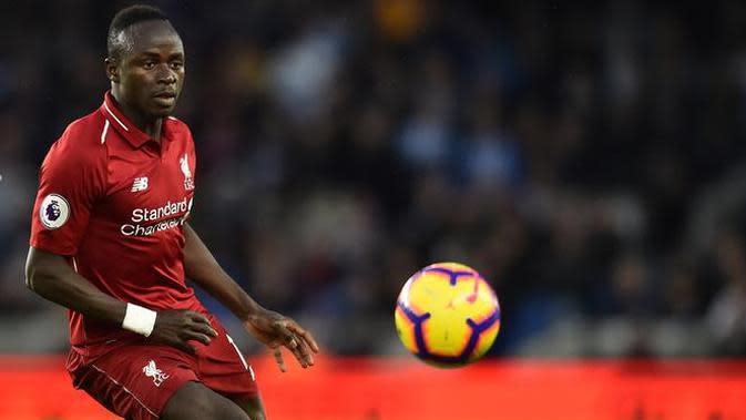 5. Sadio Mane - Kecepatan pemain asal Senegal ini selalu menjadi ancaman bagi lini pertahan lawan. Mane dipastikan akan membuat sektor pertahanan kanan Arsenal kesulitan untuk menjaga pertahan. (AFP/Glyn Kirk)