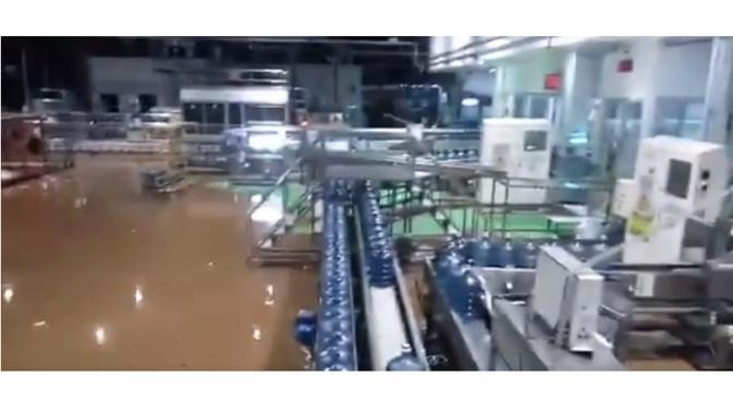 Video Pabrik Air Mineral
