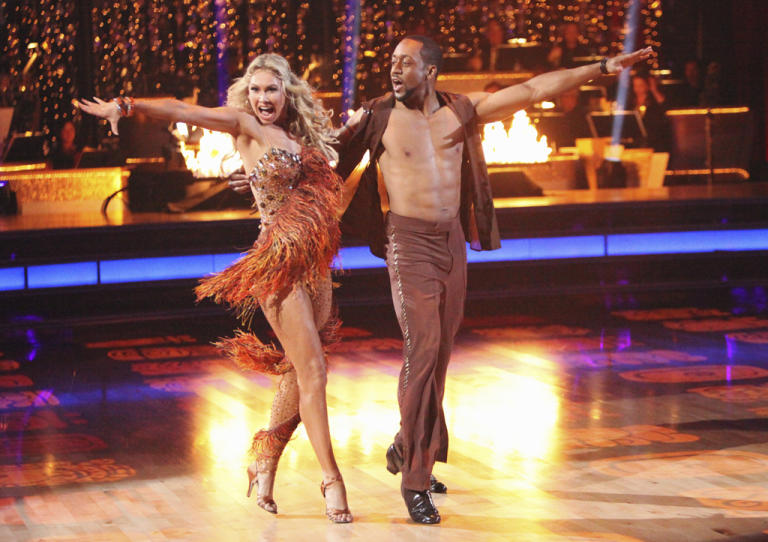 Kym Johnson and Jaleel White (4/16/12)