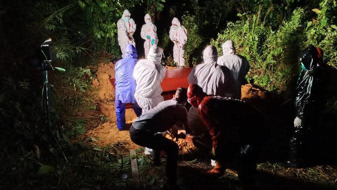 Meninggal Usai Salat Subuh, Pria di Bekasi Dievakuasi dengan Protokol Covid-19