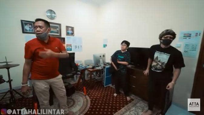 Rumah Tukul Arwana. (Youtube Atta Halilintar via Merdeka.com)