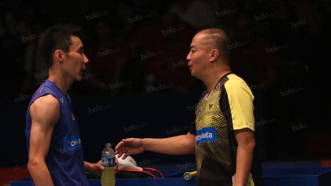 Lee Chong Wei saat ini menggunakan jasa mantan pemain Indonesia, Hendrawan untuk menjadi pelatihnya. (Bola.com/Nicklas Hanoatubun)