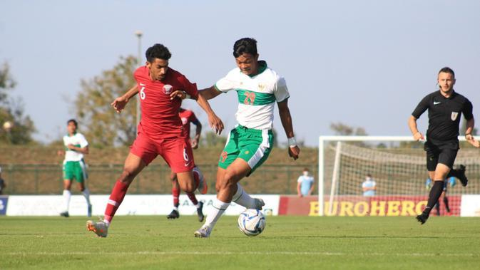 Penyerang Timnas Indonesia U-19, Saddam Gaffar, ketika melawan Qatar U-19, Minggu (20/9/2020). (PSSI).