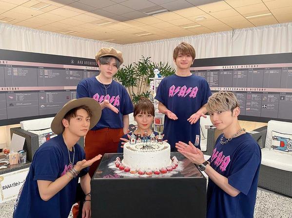 AAA日前慶祝出道15週年。(翻攝SKY-HI IG)