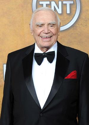 Stars, family, fans react to actor Ernest Borgnine's death