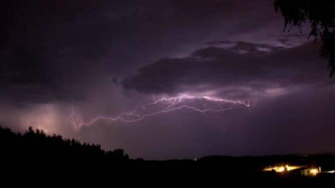 Musim Hujan Tiba, Hati-hati dengan 5 Jenis Petir Mematikan Ini