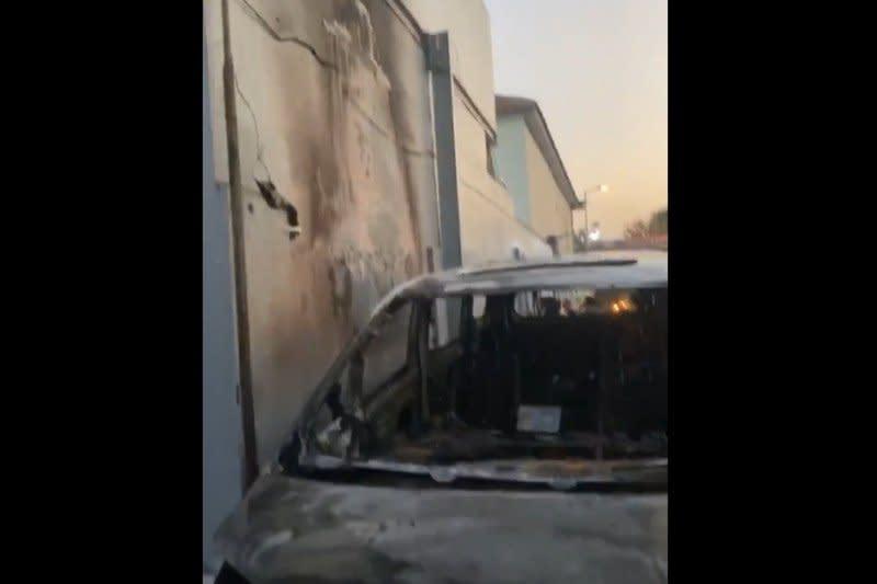 Mobil mewah Via Vallen terbakar