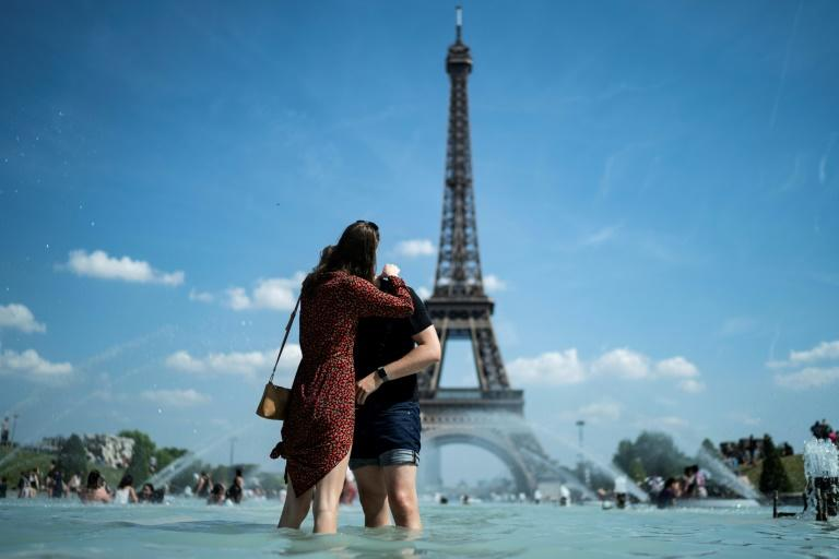 'Love is not tourism': hope for couples kept apart by virus