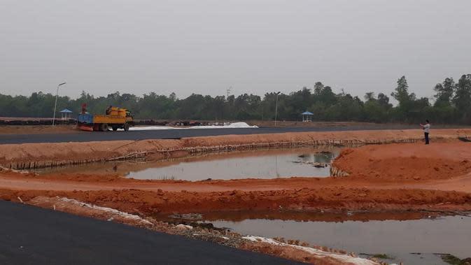 Pembangunan Sirkuit Sky Land di Sekayu Kabupaten Musi Banyuasin Sumsel yang ditargetkan rampung pada tanggal 25 November 2019 (Liputan6.com / Nefri Inge)