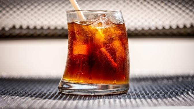 Cara tepat untuk berhenti minum soda. (Foto: Unsplash)