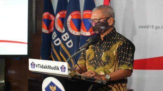 Juru Bicara Penanganan COVID-19 di Indonesia, Achmad Yurianto saat konferensi pers Corona di Graha BNPB, Jakarta, Jumat (10/4/2020). (Dok Badan Nasional Penanggulangan Bencana/BNPB)