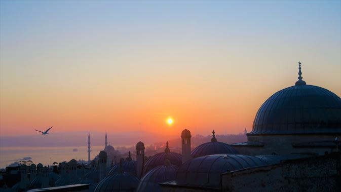 Ilsutrasi Masjid   pexels.com/@konevi
