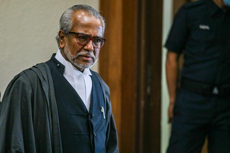 Lawyer Tan Sri Muhammad Shafee Abdullah is pictured at the Kuala Lumpur Court Complex June 30, 2020. — Picture by Hari Anggara