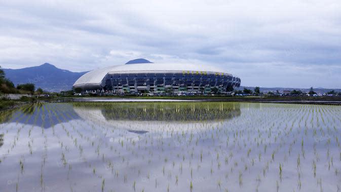 Stadion Geloba Bandung Lautan Api yang menjadi markas baru Persib Bandung. (Bola.com/Nicklas Hanoatubun)