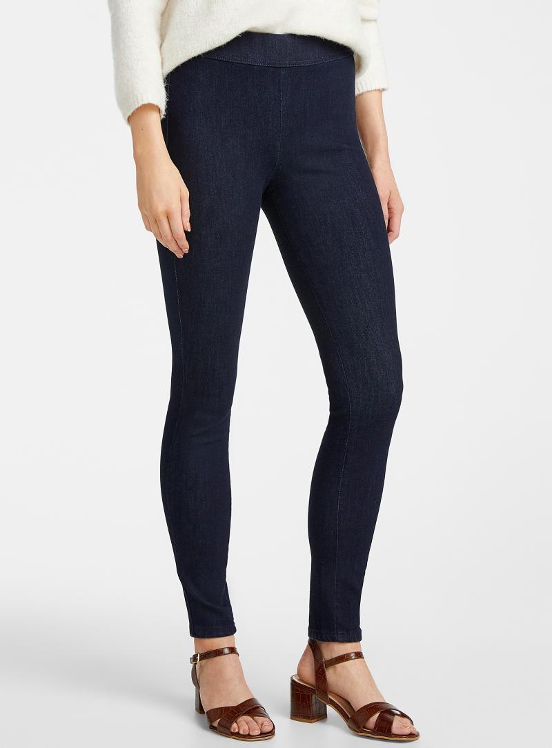Bandeau waist Rachel skinny jean. Image via Simons.