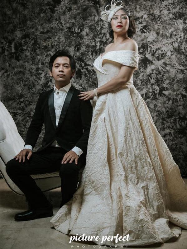 Pemotretan anniversary 8 tahun Rian D'Masiv dan istri. (Sumber: Instargam/@rianekkypradipta)