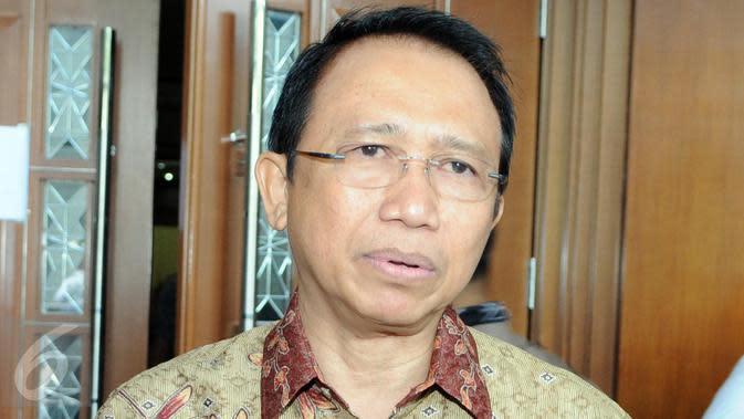 Marzuki Alie menjadi saksi yang meringankan bagi terdakwa Suryadharma Ali di Pengadilan Tipikor, Jakarta, Senin (7/12/2015).(Helmi Afandi)