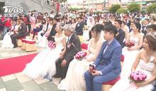 大甲媽嫁女兒 金婚夫妻結婚50年再穿婚紗