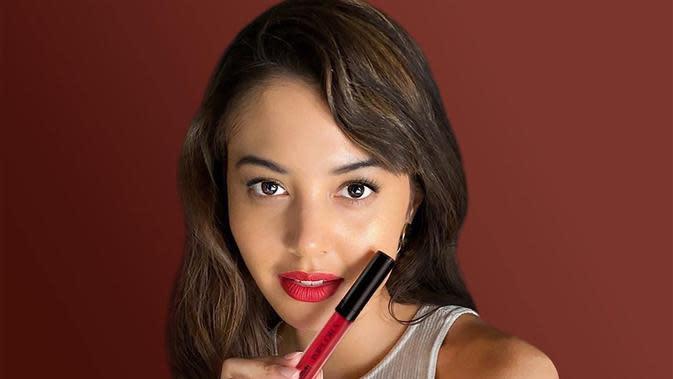 Aurelie Moeremans memberikan tips memilih lip creme yang sesuai untukmu/copyright instagram/implora