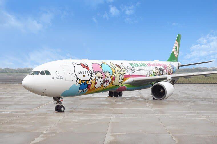 ▲長榮航空超人氣的Hello Kitty彩繪機與787-10夢幻客機將共同加入「類出國」班機行列。(圖/長榮航空提供)