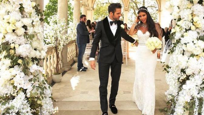Cesc Fabgregas dan Daniella Semaan melangsungkan pernikahan di Berkshire, Inggris. (Instagram)