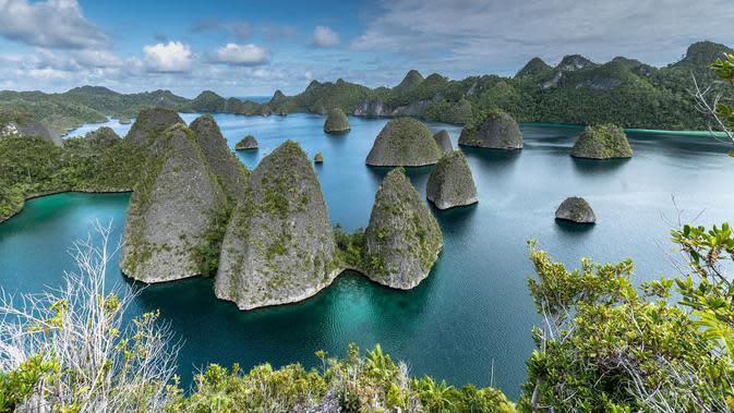 Wayag, Raja Ampat, Papua. (Foto: Shutterstock.comBy Eduardie Lie)