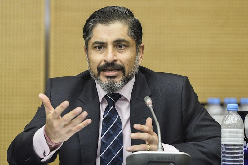 RHB Bank's Rakesh Kaul speaks during a media roundtable with CEOs and AKPK in Sasana Kijang September 23, 2020. — Picture by Miera Zulyana
