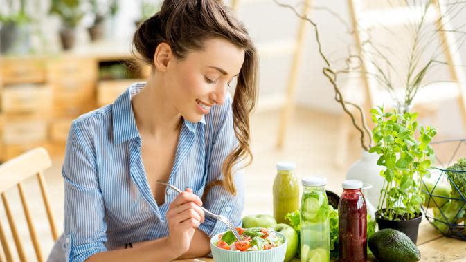 Ilustrasi kulit sehat karena makanan (iStockphoto)