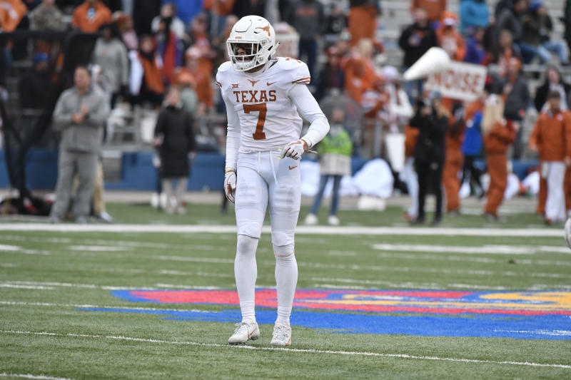 LAWRENCE, KS - NOVEMBER 23: Caden Sterns #7 of the Texas Longhorns in action against the Kansas Jayhawks at Memorial Stadium on November 23, 2018 in Lawrence, Kansas. (Photo by Ed Zurga/Getty Images)