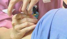 快新聞/女經理幫員工打流感疫苗 莊人祥:民眾應要到合格醫療院所接種