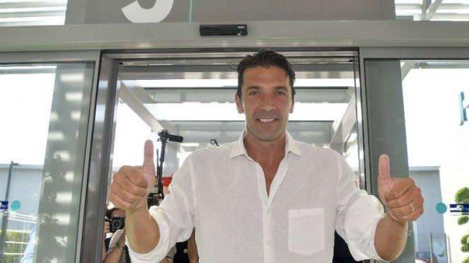 Gianluigi Buffon saat jalani tes medis di Juventus.