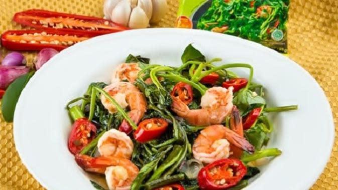 resep tumis kangkung dan udang/selerasa.com