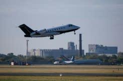 Ambulan udara terbangkan pemimpin opisisi Rusia, Navalny ke Jerman