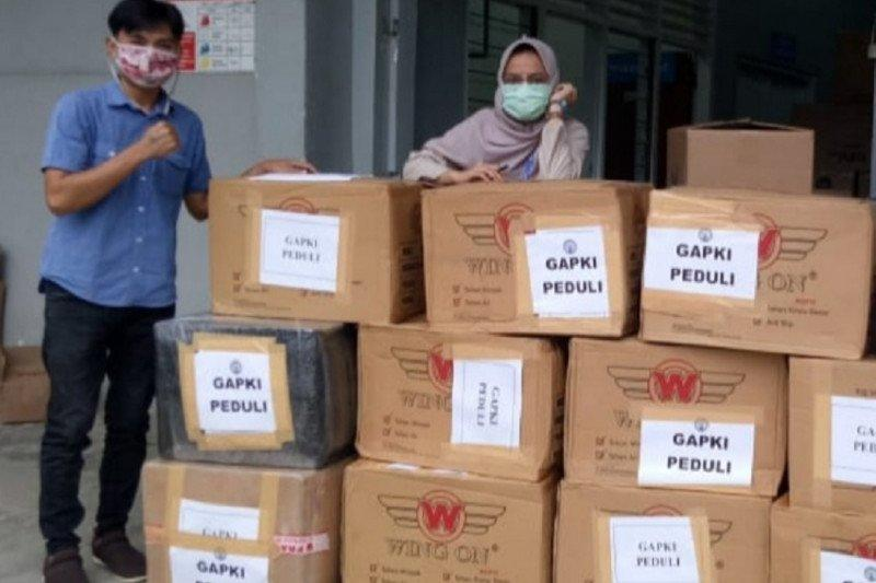 Gapki serahkan bantuan APD untuk tiga rumah sakit