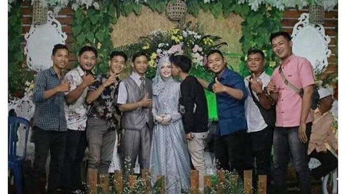 6 Momen Apes saat Pernikahan Ini Bikin Geregetan (sumber: Instagram.com/receh.id)