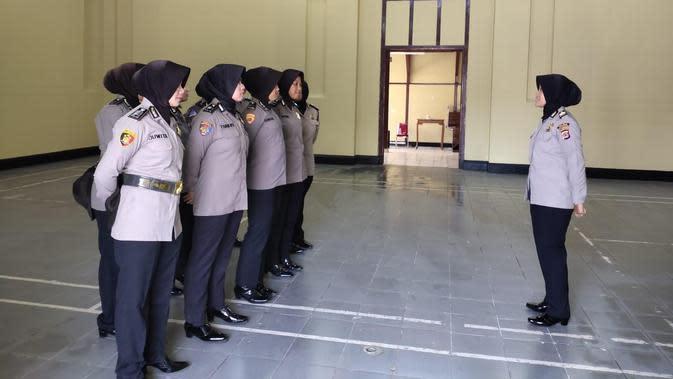 Awas Baper, Ada Polwan Siaga Jumat di Serang Banten