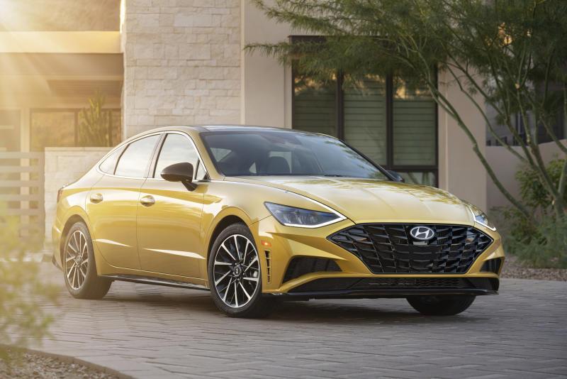 Edmunds Compares 2020 Honda Accord With Hyundai Sonata
