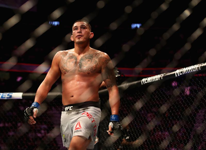 LAS VEGAS, NV - OCTOBER 06: Anthony Pettis walks in the octagon while competing against Tony Ferguson in their lightweight bout during the UFC 229 event inside T-Mobile Arena on October 6, 2018 in Las Vegas, Nevada. (Photo by Christian Petersen/Zuffa LLC/Zuffa LLC)